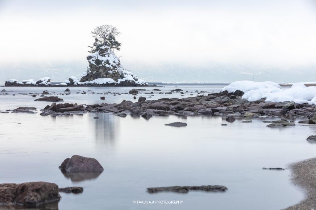 富山県の絶景 雨晴海岸 雪景色 撮影スポット1