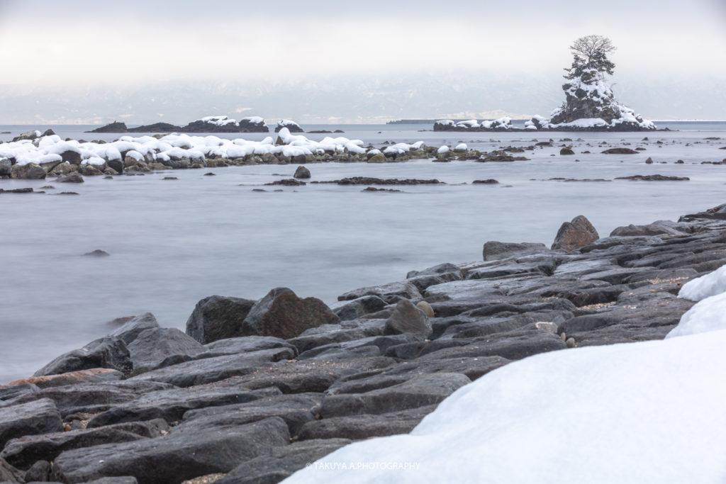 富山県の絶景 雨晴海岸 雪景色 撮影スポット2