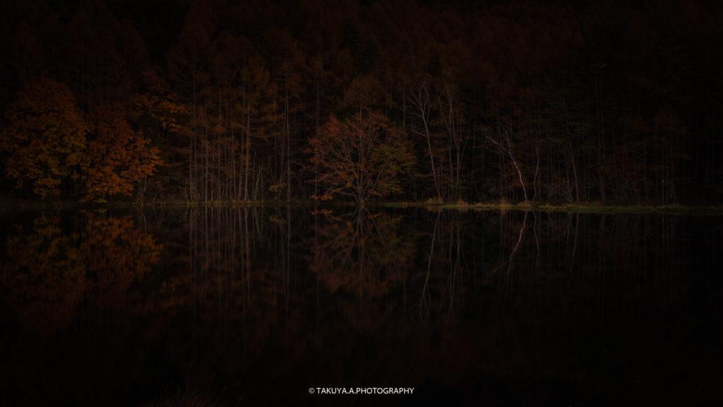 長野県の絶景 御射鹿池の紅葉
