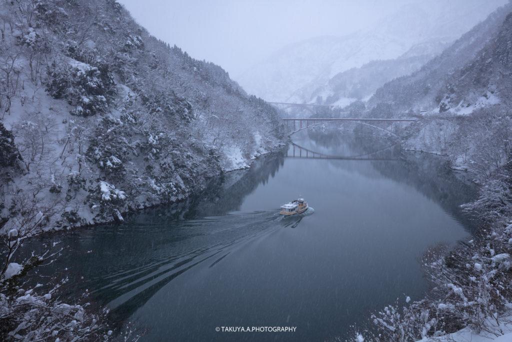 富山県の絶景 庄川峡 雪景色
